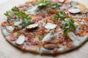 Toasted Almonds and Tomato Uttapam Pizza
