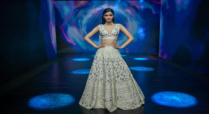 Showstopper Diana Penty for Disha Patil at LFW 2020